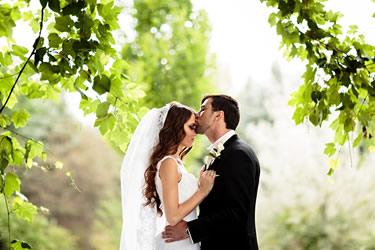 mid-wedding